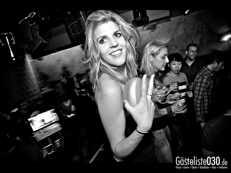 https://www.gaesteliste030.de/Partyfoto #106 Asphalt Berlin vom 11.10.2013