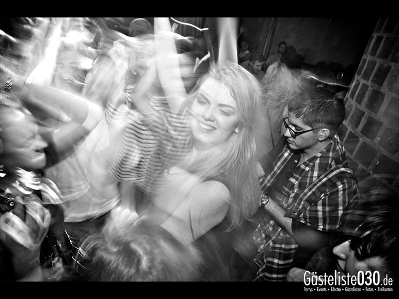 https://www.gaesteliste030.de/Partyfoto #82 Asphalt Berlin vom 11.10.2013