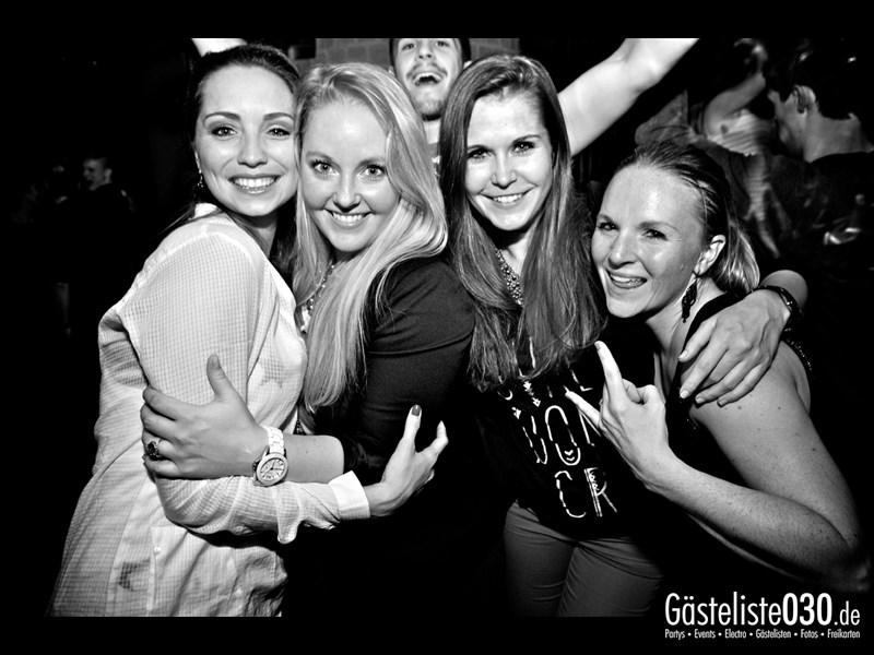 https://www.gaesteliste030.de/Partyfoto #32 Asphalt Berlin vom 11.10.2013