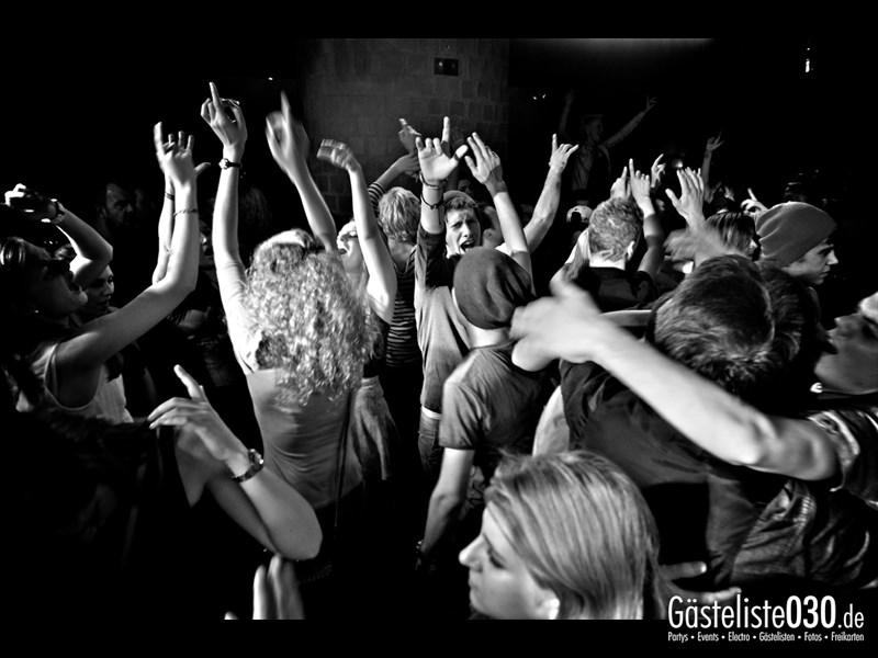 https://www.gaesteliste030.de/Partyfoto #92 Asphalt Berlin vom 11.10.2013