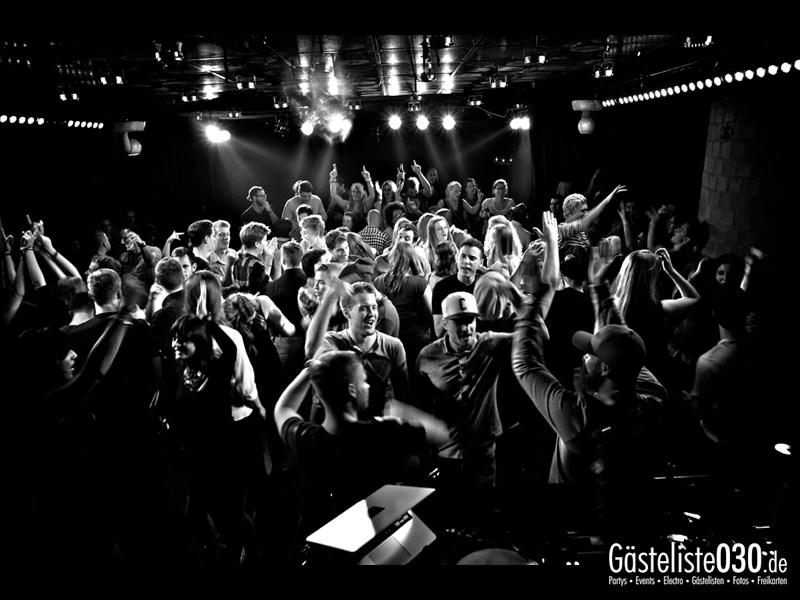 https://www.gaesteliste030.de/Partyfoto #69 Asphalt Berlin vom 11.10.2013