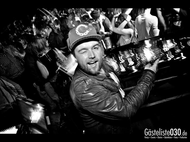https://www.gaesteliste030.de/Partyfoto #72 Asphalt Berlin vom 11.10.2013