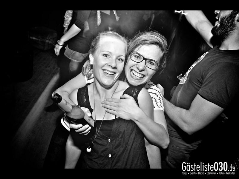 https://www.gaesteliste030.de/Partyfoto #99 Asphalt Berlin vom 11.10.2013