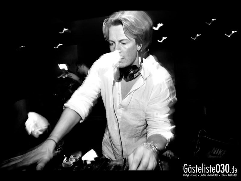 https://www.gaesteliste030.de/Partyfoto #63 Asphalt Berlin vom 25.10.2013