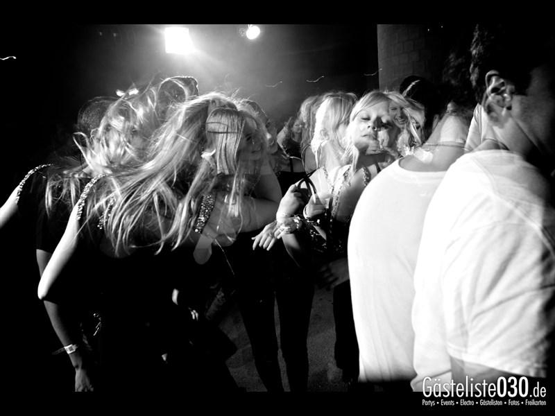 https://www.gaesteliste030.de/Partyfoto #45 Asphalt Berlin vom 25.10.2013