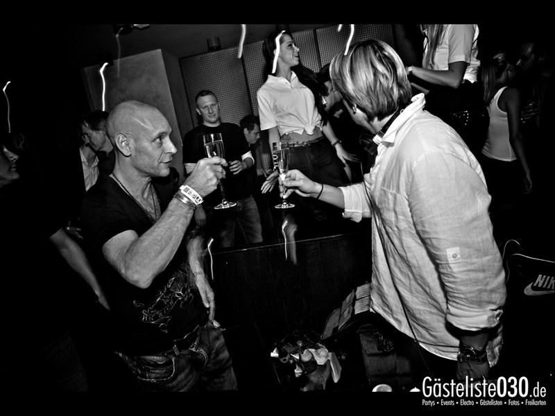 https://www.gaesteliste030.de/Partyfoto #94 Asphalt Berlin vom 25.10.2013