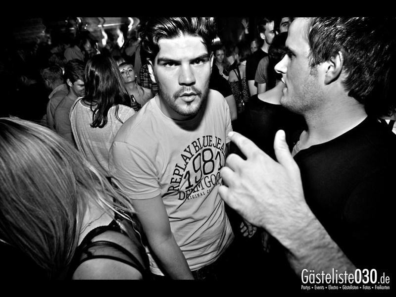 https://www.gaesteliste030.de/Partyfoto #82 Asphalt Berlin vom 25.10.2013