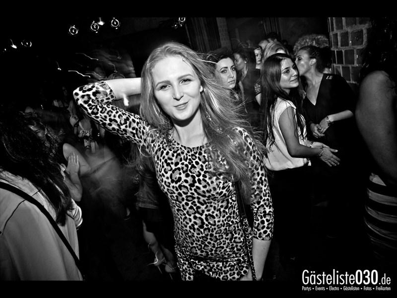 https://www.gaesteliste030.de/Partyfoto #94 Asphalt Berlin vom 12.10.2013