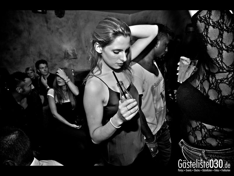 https://www.gaesteliste030.de/Partyfoto #44 Asphalt Berlin vom 12.10.2013