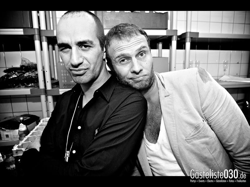 https://www.gaesteliste030.de/Partyfoto #1 Asphalt Berlin vom 12.10.2013