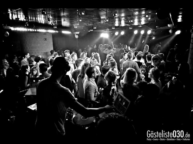 https://www.gaesteliste030.de/Partyfoto #2 Asphalt Berlin vom 12.10.2013