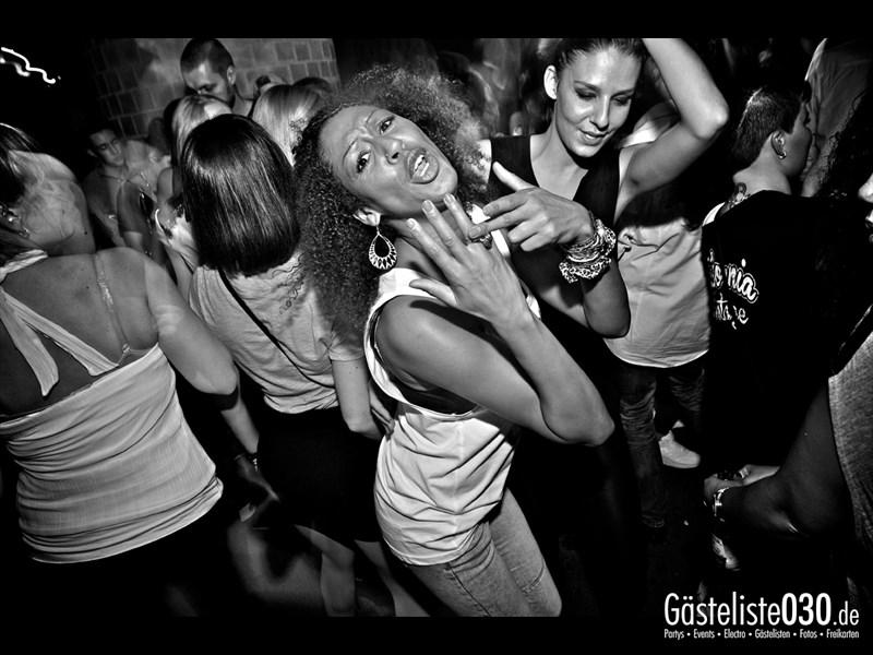 https://www.gaesteliste030.de/Partyfoto #39 Asphalt Berlin vom 12.10.2013
