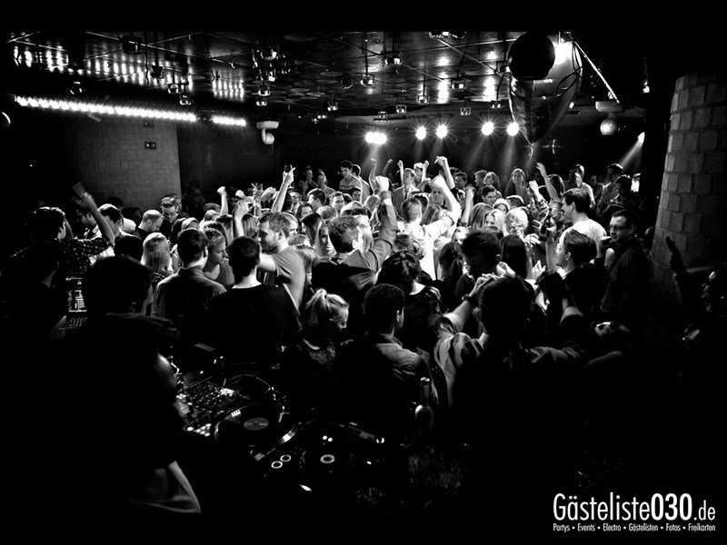 https://www.gaesteliste030.de/Partyfoto #56 Asphalt Berlin vom 09.11.2013