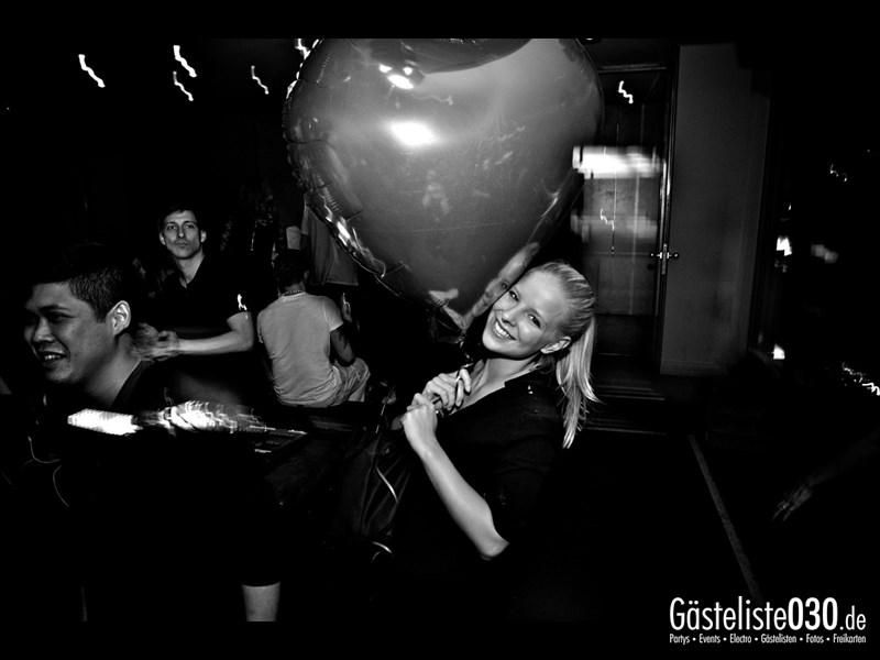 https://www.gaesteliste030.de/Partyfoto #34 Asphalt Berlin vom 09.11.2013