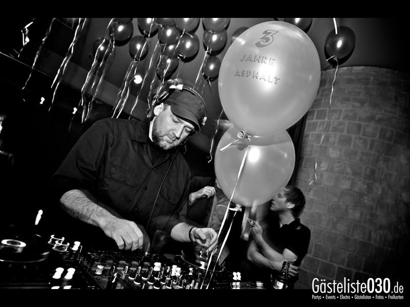 https://www.gaesteliste030.de/Partyfoto #9 Asphalt Berlin vom 23.11.2013
