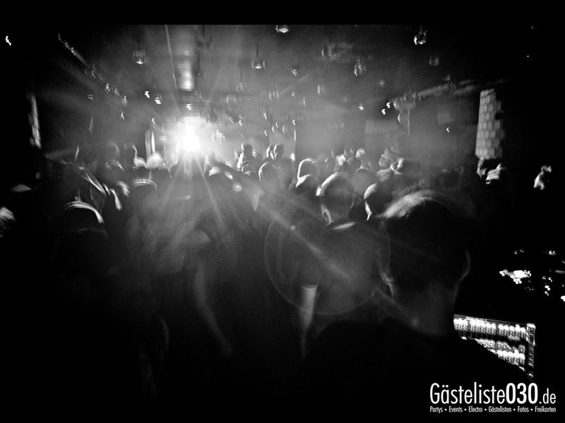 https://www.gaesteliste030.de/Partyfoto #37 Asphalt Berlin vom 15.11.2013