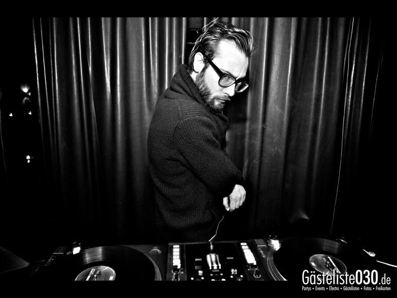 https://www.gaesteliste030.de/Partyfoto #1 Asphalt Berlin vom 05.12.2013