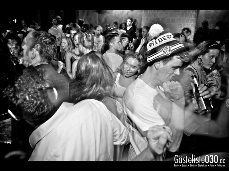 https://www.gaesteliste030.de/Partyfoto #98 Asphalt Berlin vom 05.12.2013