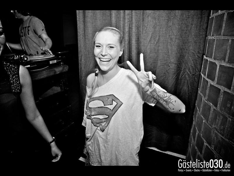 https://www.gaesteliste030.de/Partyfoto #19 Asphalt Berlin vom 03.01.2014