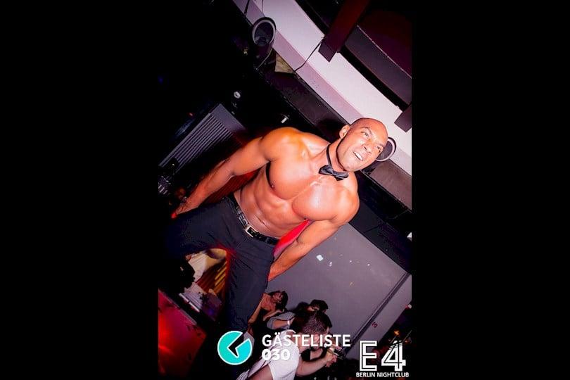 Beliebtes Partyfoto #5 aus dem E4 Club Berlin