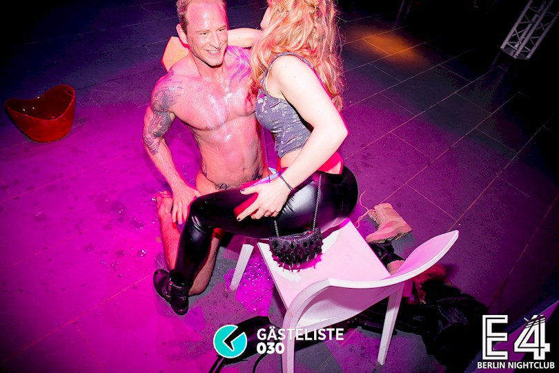 https://www.gaesteliste030.de/Partyfoto #44 E4 Club Berlin vom 13.11.2015