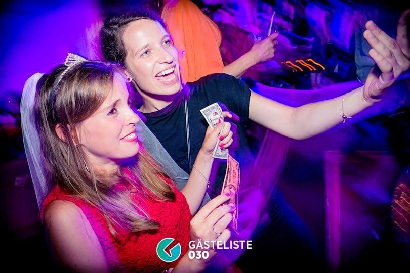 Beliebtes Partyfoto #2 aus dem Sixx Paxx Theater Berlin