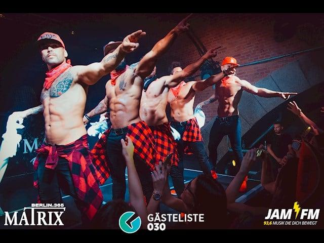 Partypics Matrix 25.10.2017 Ladies First by Jam Fm 93,6 - Special: Sixx Paxx Clubshow - freier Eintritt für Ladies bis 0 Uhr
