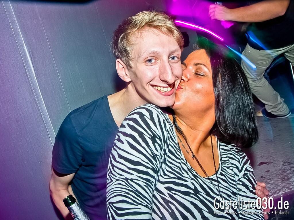 Partyfoto #48 Q-Dorf 30.10.2012 Black Attack
