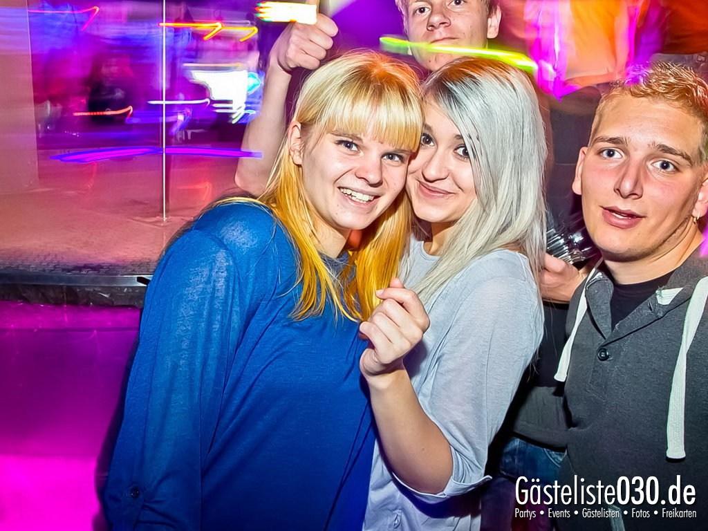 Partyfoto #49 Q-Dorf 30.10.2012 Black Attack