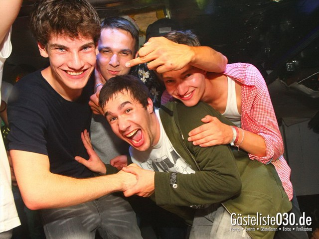 https://www.gaesteliste030.de/Partyfoto #110 Q-Dorf Berlin vom 18.07.2012