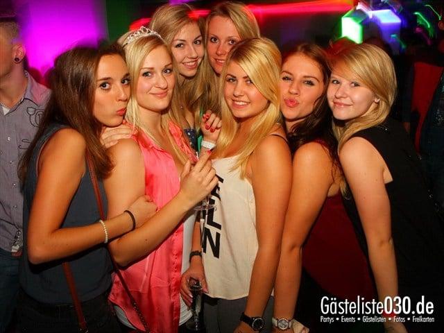 https://www.gaesteliste030.de/Partyfoto #2 Q-Dorf Berlin vom 18.10.2012
