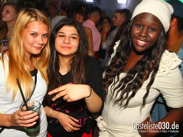 https://www.gaesteliste030.de/Partyfoto #143 Q-Dorf Berlin vom 18.10.2012