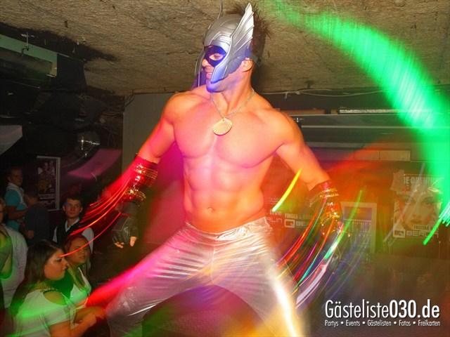 https://www.gaesteliste030.de/Partyfoto #44 Q-Dorf Berlin vom 18.10.2012