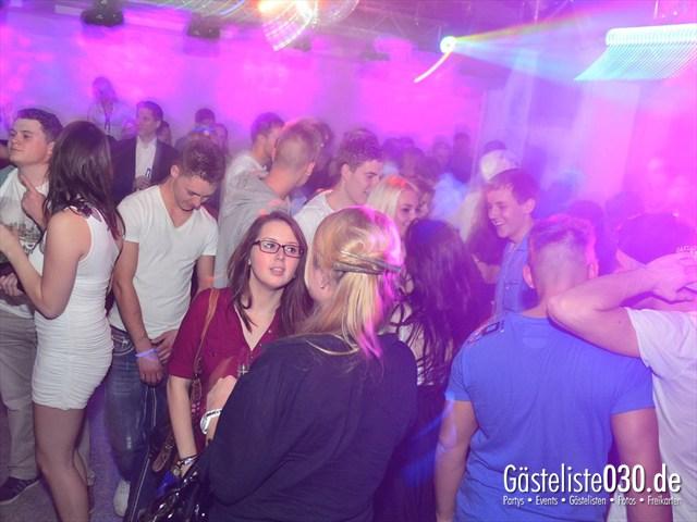https://www.gaesteliste030.de/Partyfoto #144 Q-Dorf Berlin vom 18.10.2012