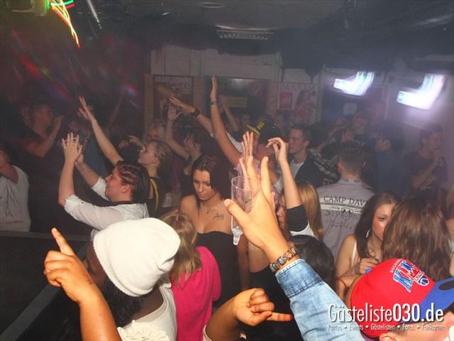 https://www.gaesteliste030.de/Partyfoto #140 Q-Dorf Berlin vom 18.10.2012