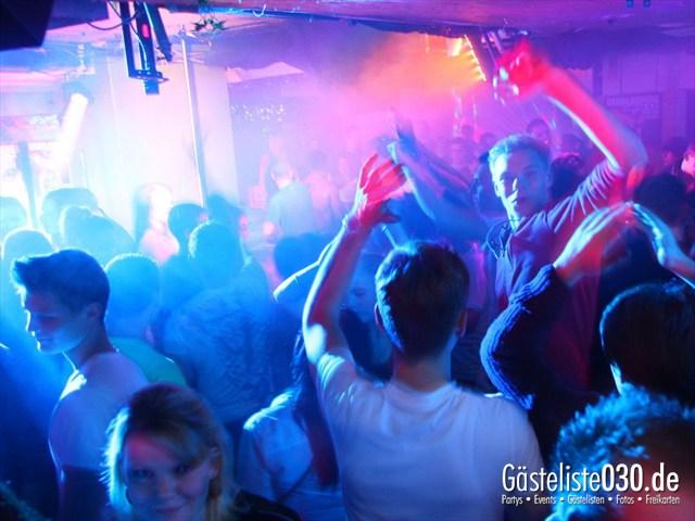 https://www.gaesteliste030.de/Partyfoto #175 Q-Dorf Berlin vom 18.10.2012