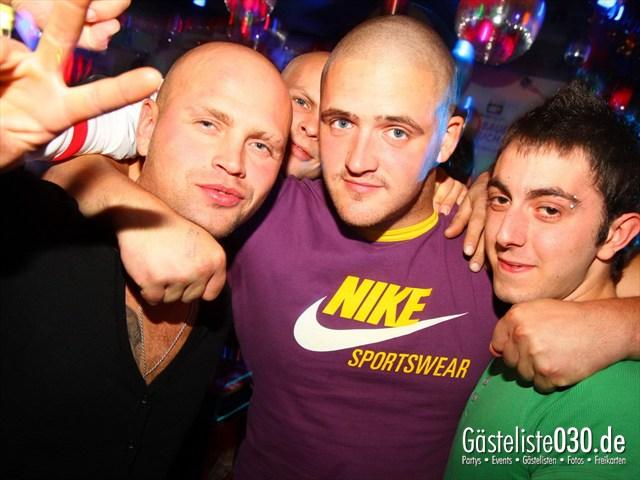 https://www.gaesteliste030.de/Partyfoto #143 Q-Dorf Berlin vom 06.10.2012