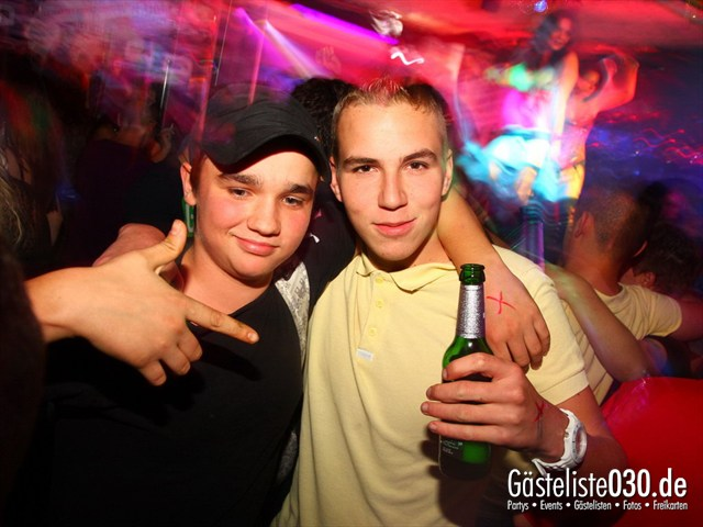 https://www.gaesteliste030.de/Partyfoto #77 Q-Dorf Berlin vom 06.10.2012