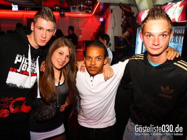 https://www.gaesteliste030.de/Partyfoto #142 Q-Dorf Berlin vom 06.10.2012