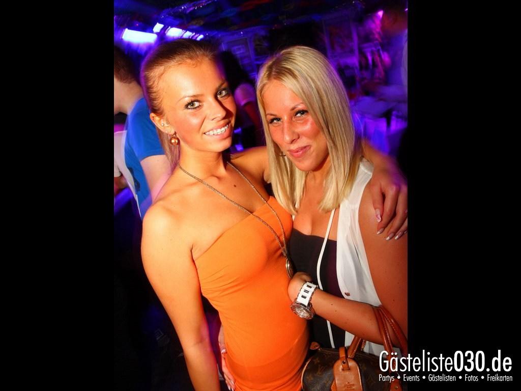 Partyfoto #48 Q-Dorf 05.10.2012 Super Heros