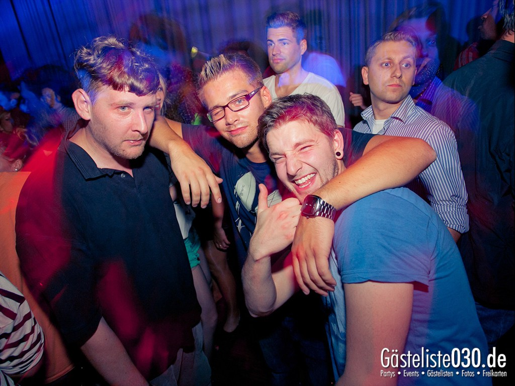 Partyfoto #48 Tube Station 21.07.2012 High Five