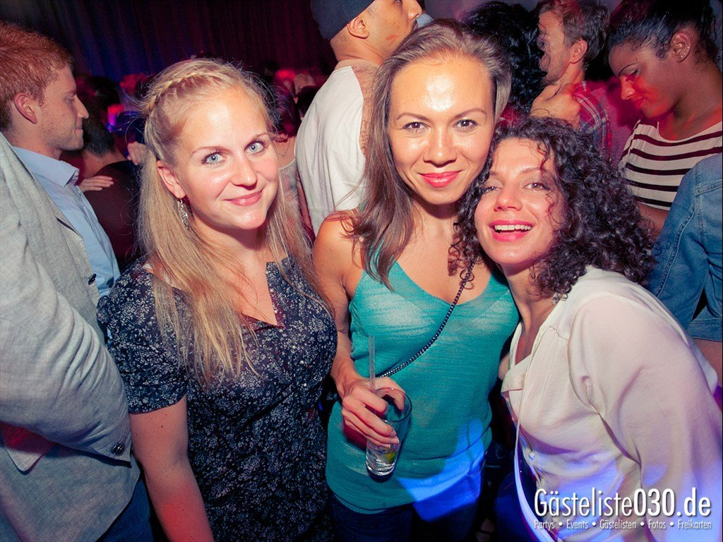 Partyfoto #49 Tube Station 21.07.2012 High Five