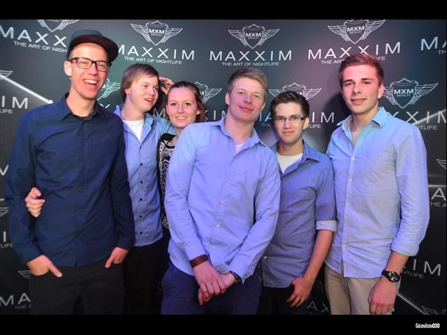 https://www.gaesteliste030.de/Partyfoto #114 Maxxim Berlin vom 03.10.2012