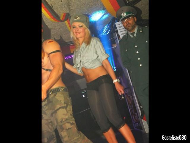 https://www.gaesteliste030.de/Partyfoto #129 Q-Dorf Berlin vom 03.10.2012