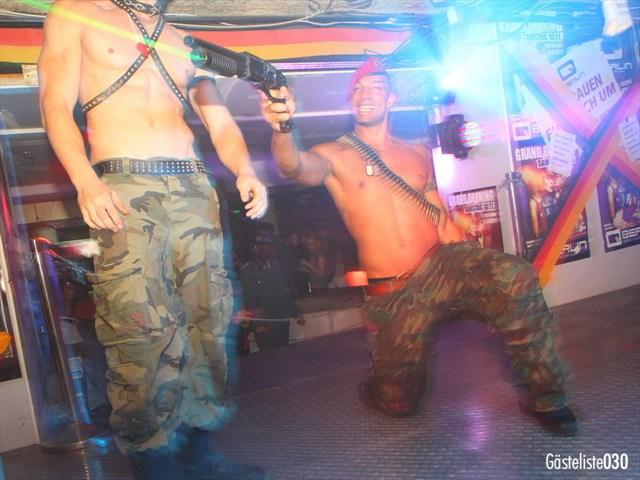 https://www.gaesteliste030.de/Partyfoto #135 Q-Dorf Berlin vom 03.10.2012