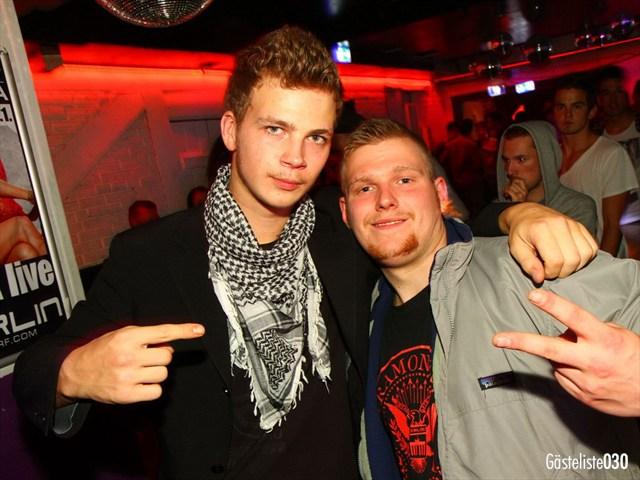 https://www.gaesteliste030.de/Partyfoto #122 Q-Dorf Berlin vom 03.10.2012