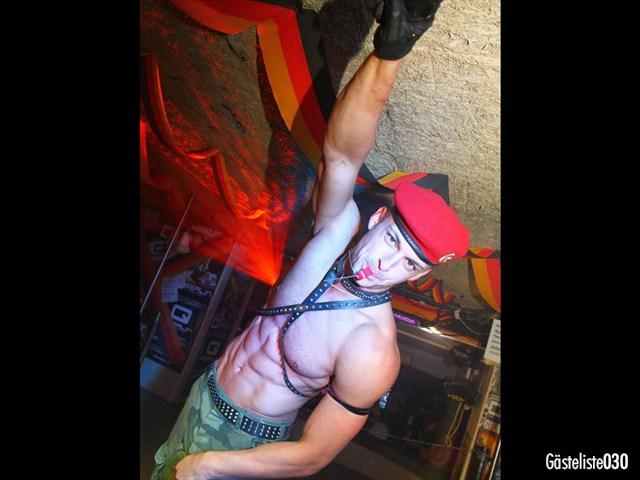 https://www.gaesteliste030.de/Partyfoto #28 Q-Dorf Berlin vom 03.10.2012