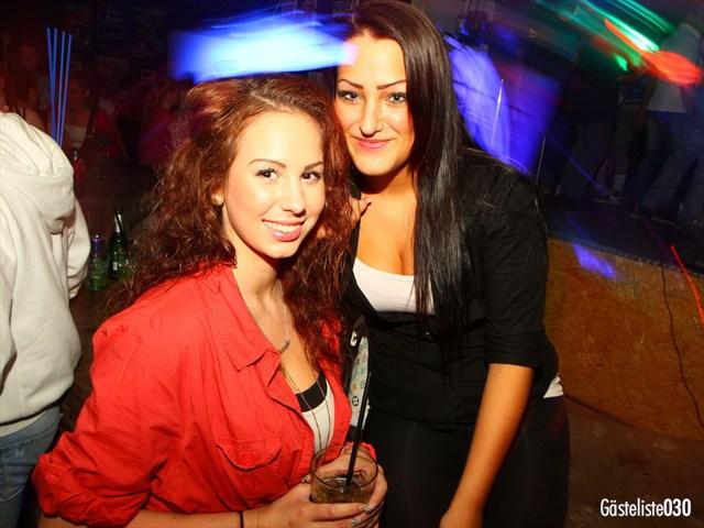 https://www.gaesteliste030.de/Partyfoto #91 Q-Dorf Berlin vom 03.10.2012