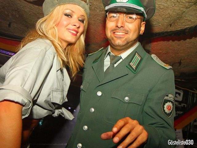 https://www.gaesteliste030.de/Partyfoto #124 Q-Dorf Berlin vom 03.10.2012