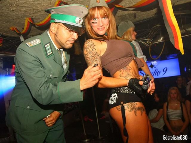 https://www.gaesteliste030.de/Partyfoto #24 Q-Dorf Berlin vom 03.10.2012